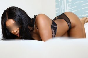 Narcisa erotic massage in Linden