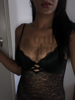 Ganaelle erotic massage in Hayward