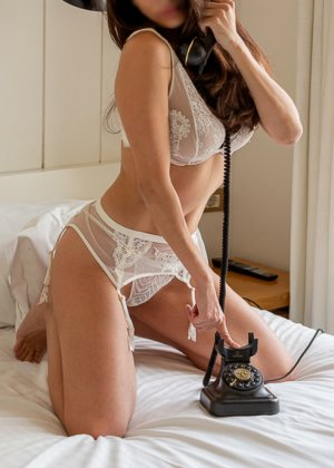 Myanna nuru massage in South Holland