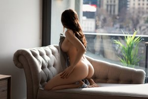 Elif nuru massage in Festus MO